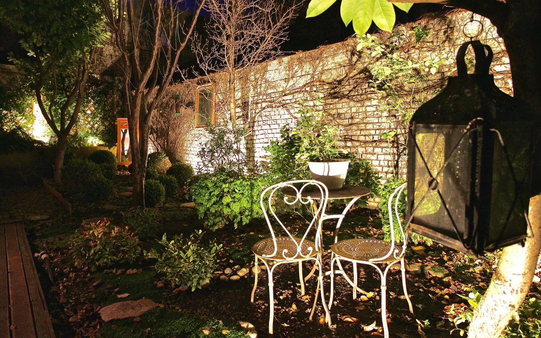 miroirs de jardin great miroir exterieur jardin miroir exterieur jardin fleurs miroir exterieur. Black Bedroom Furniture Sets. Home Design Ideas